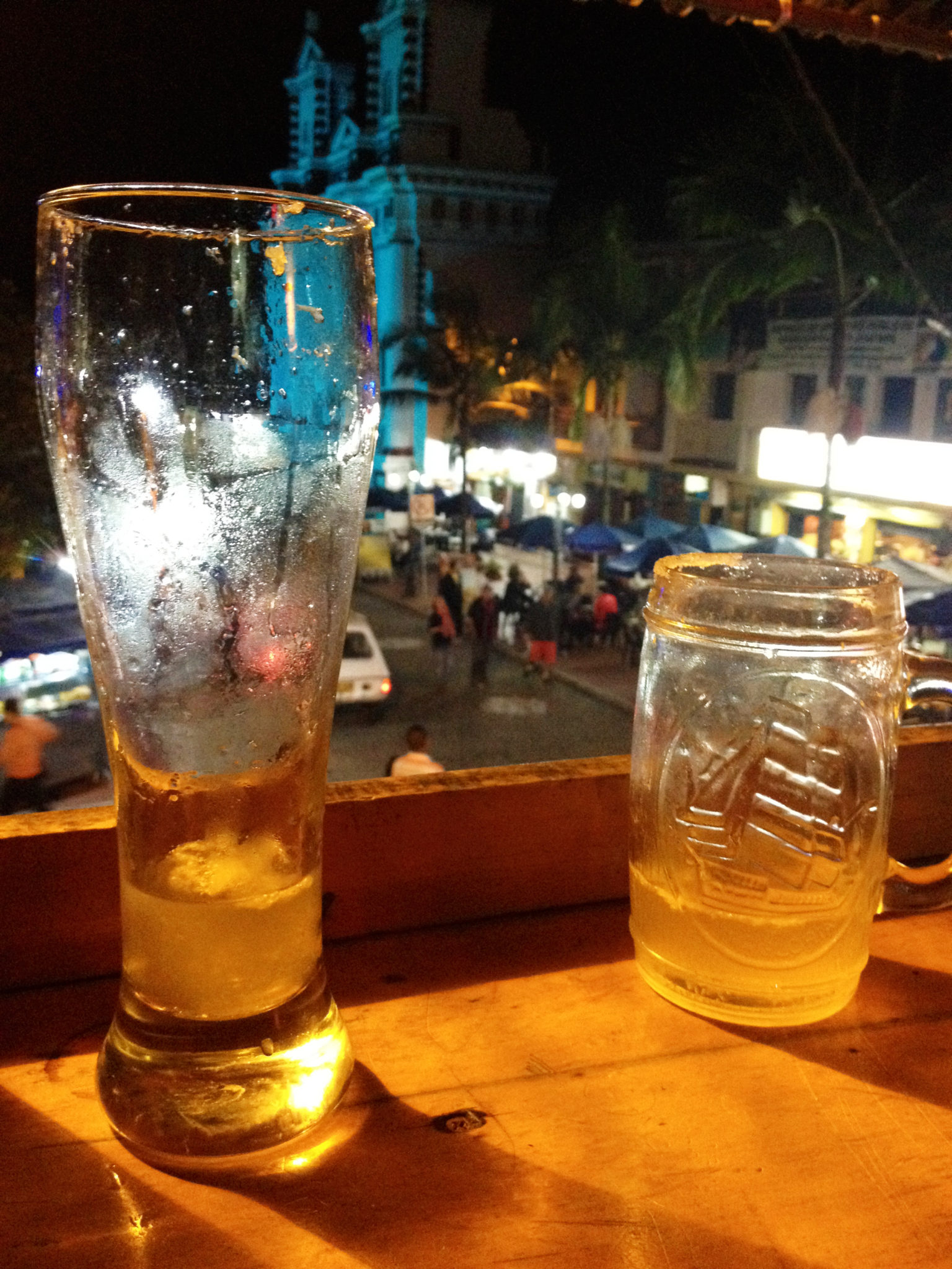 drinks-at-a-local-bar-in-guatape